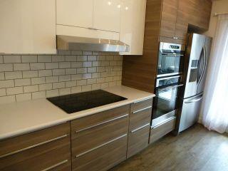 Photo 10: 3028 108 Street in Edmonton: Zone 16 Townhouse for sale : MLS®# E4247142