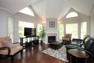 """Photo 1: 203 12088 66 Avenue in Surrey: West Newton Condo for sale in """"LAKEWOOD TERRACE"""" : MLS®# R2382551"""