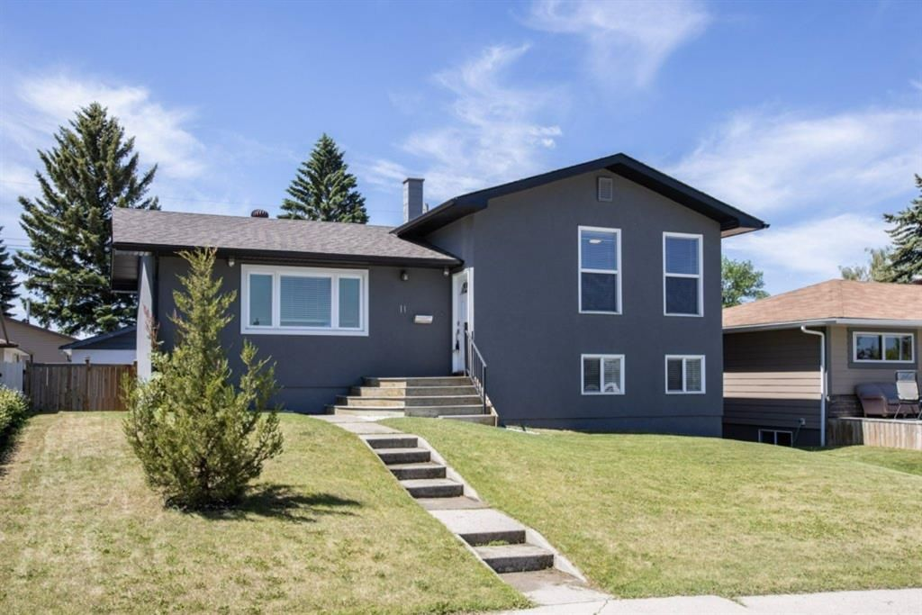 Main Photo: 11 Foley Road SE in Calgary: Fairview Detached for sale : MLS®# A1119391