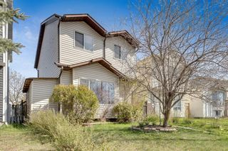 Photo 2: 106 Martindale Boulevard NE in Calgary: Martindale Detached for sale : MLS®# A1107169