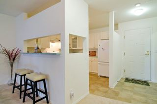 "Photo 3: 201 121 W 29TH Street in North Vancouver: Upper Lonsdale Condo for sale in ""Somerset Green"" : MLS®# R2066610"