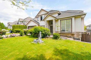 Photo 2: 8250 167A Street in Surrey: Fleetwood Tynehead House for sale : MLS®# R2579224
