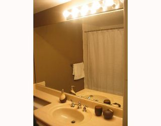"""Photo 9: 6820 RUMBLE Street in Burnaby: South Slope Condo for sale in """"GOVERNORS WALK"""" (Burnaby South)  : MLS®# V636813"""