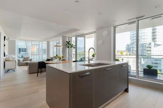 """Photo 13: 601 1499 W PENDER Street in Vancouver: Coal Harbour Condo for sale in """"WEST PENDER PLACE"""" (Vancouver West)  : MLS®# R2605894"""