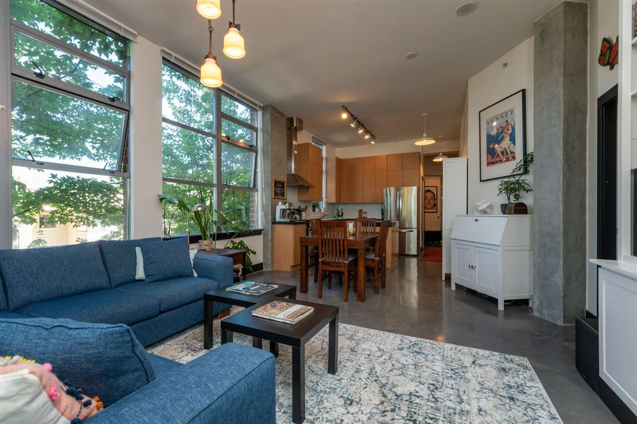 Photo 5: Photos: 207 2635 PRINCE EDWARD STREET in Vancouver: Mount Pleasant VE Condo for sale (Vancouver East)  : MLS®# R2488215