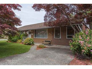 Photo 2: 32155 BUECKERT Avenue in Mission: Mission BC House for sale : MLS®# R2274162