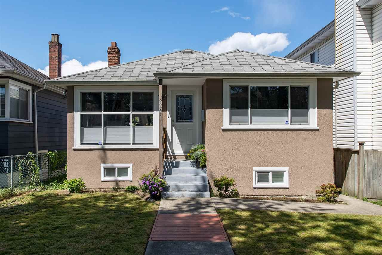 Main Photo: 2241 E 43RD Avenue in Vancouver: Killarney VE House for sale (Vancouver East)  : MLS®# R2071151