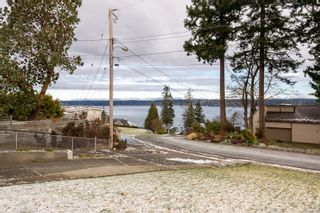 Photo 3: 704 Ash St in : CR Campbell River Central House for sale (Campbell River)  : MLS®# 865912