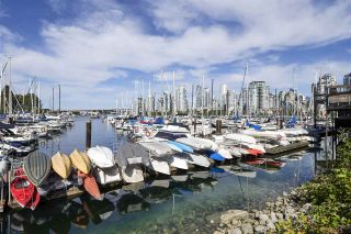 Photo 19: 314 518 MOBERLY ROAD in Vancouver: False Creek Condo for sale (Vancouver West)  : MLS®# R2404067