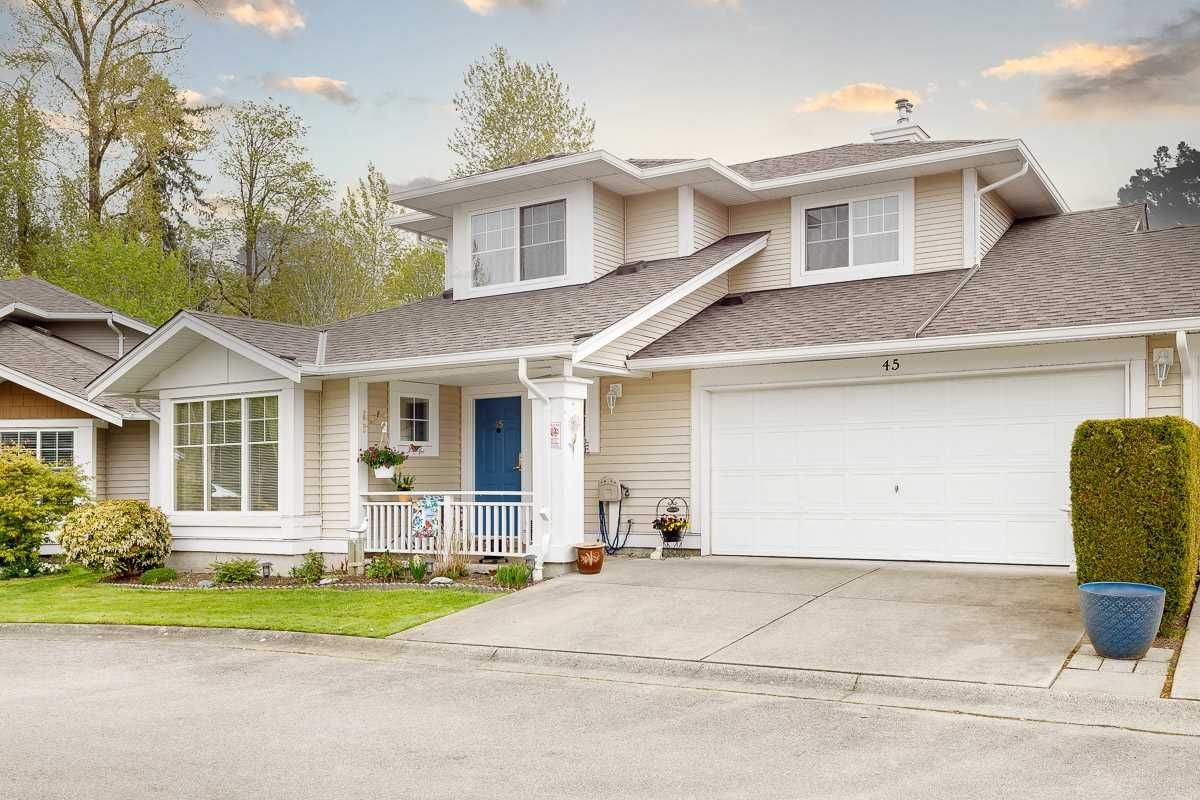 """Main Photo: 45 6885 184 Street in Surrey: Cloverdale BC Townhouse for sale in """"CREEKSIDE AT CLAYTON HILL"""" (Cloverdale)  : MLS®# R2572095"""