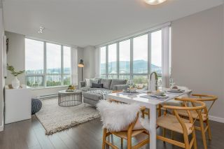 Photo 2: 2508 3093 WINDSOR Gate in Coquitlam: New Horizons Condo for sale : MLS®# R2318512