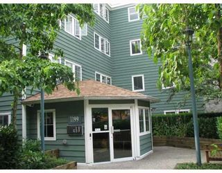 """Photo 1: 310 1199 WESTWOOD Street in Coquitlam: North Coquitlam Condo for sale in """"LAKESIDE TERRACE"""" : MLS®# V720873"""
