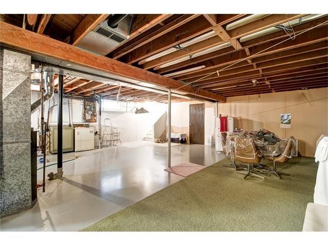 Photo 37: Photos: 210 OAKMOOR Place SW in Calgary: Oakridge House for sale : MLS®# C4091579