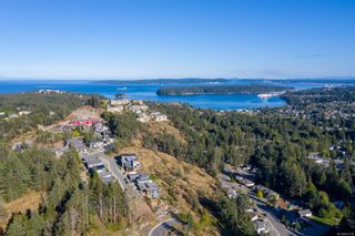 Photo 3: 128 Amphion Terr in : Na Departure Bay House for sale (Nanaimo)  : MLS®# 862787