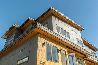 "Photo 3: 41783 COTTONWOOD Road in Squamish: Brackendale 1/2 Duplex for sale in ""Brackendale"" : MLS®# R2116070"
