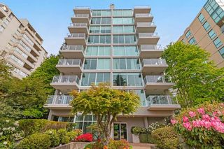 Photo 1: 401 1455 DUCHESS Avenue in West Vancouver: Ambleside Condo for sale : MLS®# R2364582