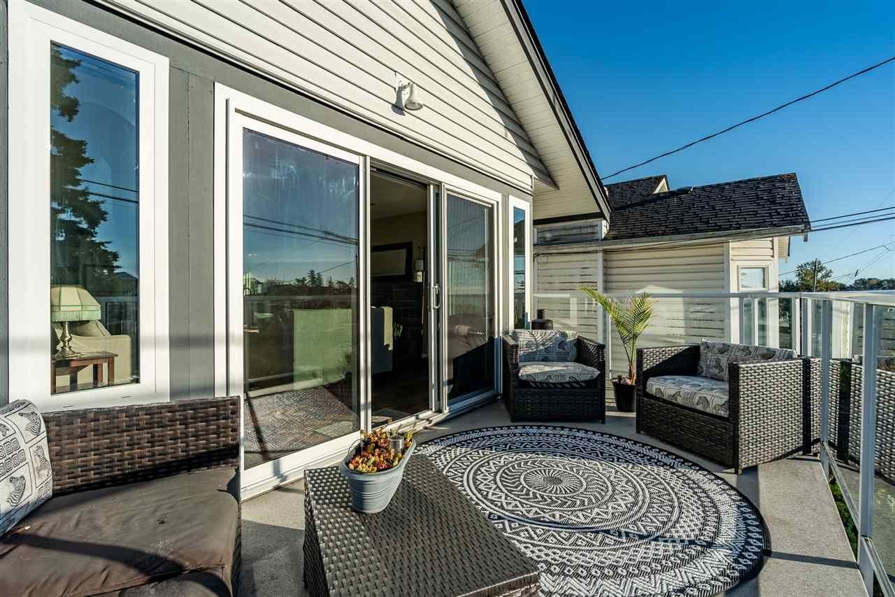 Main Photo: 890 STEVENS STREET: White Rock House for sale (South Surrey White Rock)  : MLS®# R2503733