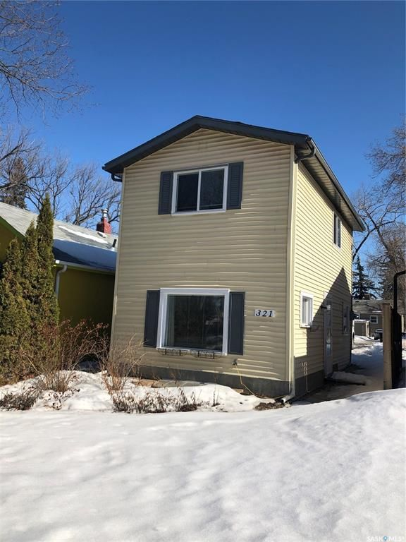 Main Photo: 321 Bottomley Avenue North in Saskatoon: Varsity View Residential for sale : MLS®# SK844947