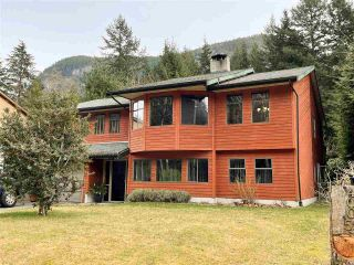 Photo 2: 40057 PLATEAU Drive in Squamish: Plateau House for sale : MLS®# R2543136
