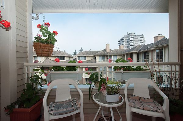 """Photo 8: Photos: # 311 3755 W 8TH AV in Vancouver: Point Grey Condo for sale in """"THE CUMBERLAND"""" (Vancouver West)  : MLS®# V1040579"""