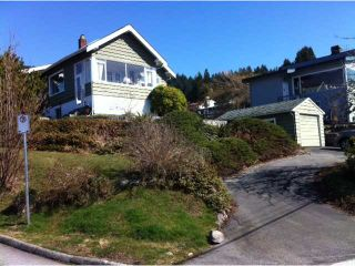 Photo 3: 176 E ROCKLAND Road in North Vancouver: Upper Lonsdale House for sale : MLS®# V997988
