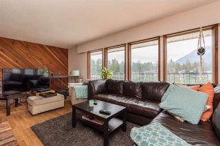 Photo 5: 40 LAKESHORE Drive: Cultus Lake House for sale : MLS®# R2531780