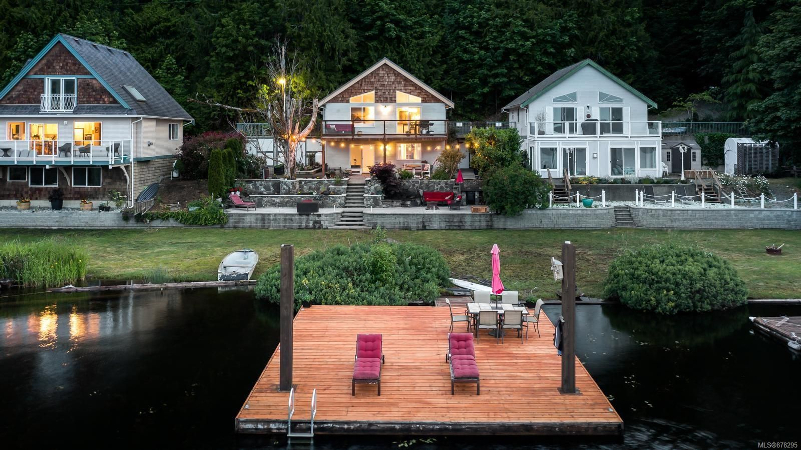 Main Photo: 2415 West Shawnigan Lake Rd in : ML Shawnigan House for sale (Malahat & Area)  : MLS®# 878295
