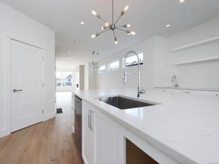 Photo 8: 2414 Azurite Cres in : La Bear Mountain House for sale (Langford)  : MLS®# 851284