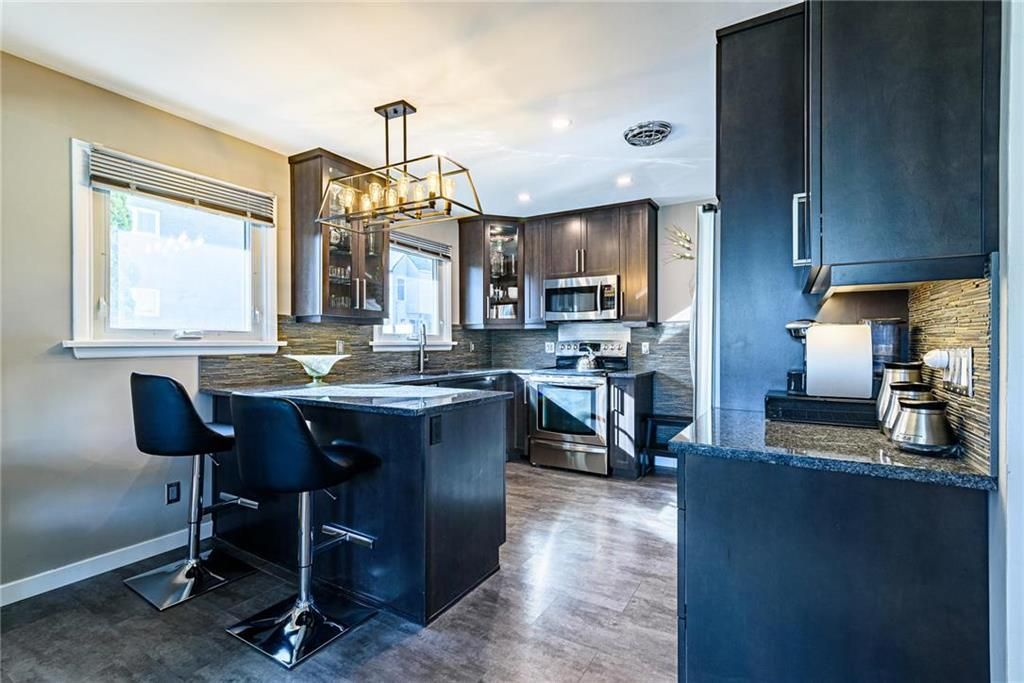 Photo 11: Photos: 603 Fleming Avenue in Winnipeg: Residential for sale (3B)  : MLS®# 202113289