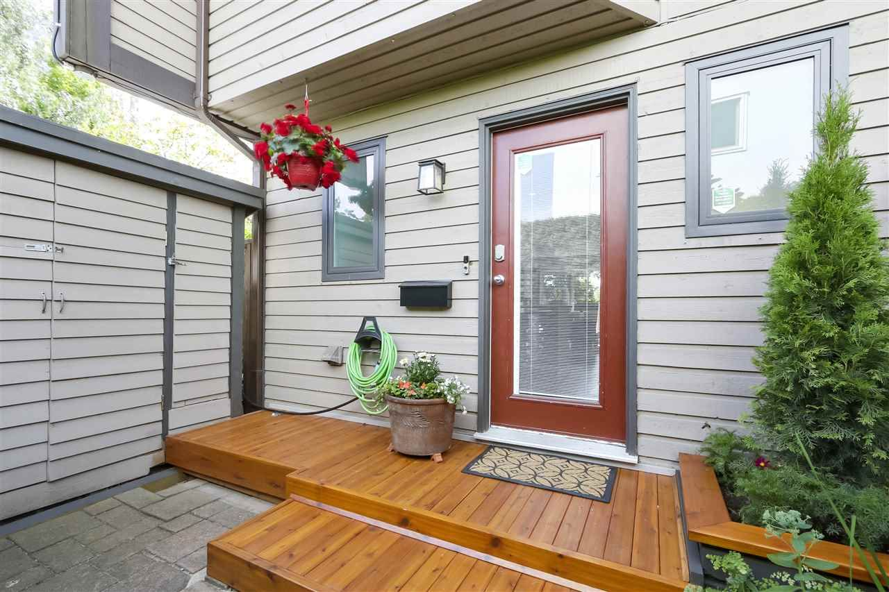 Photo 20: Photos: 154 W 12TH STREET in North Vancouver: Central Lonsdale Townhouse for sale : MLS®# R2487434