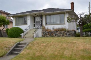 "Main Photo: 407 W 43RD Avenue in Vancouver: Oakridge VW House for sale in ""OAKRIDGE"" (Vancouver West)  : MLS®# R2526559"