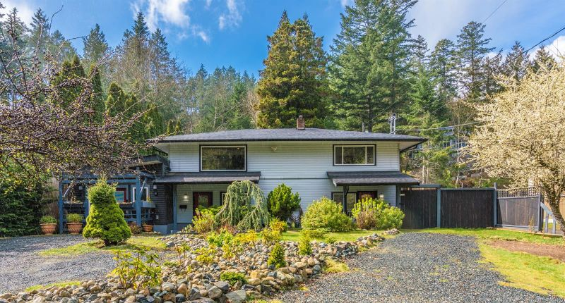 FEATURED LISTING: 3229 HAMMOND BAY Rd