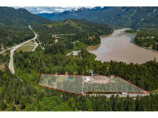 Photo 5: 21400 TRANS CANADA Highway in Hope: Hope Center House for sale : MLS®# R2579702