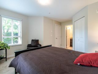 "Photo 13: 127 8915 202 Street in Langley: Walnut Grove Condo for sale in ""THE HAWTHORNE"" : MLS®# R2474456"