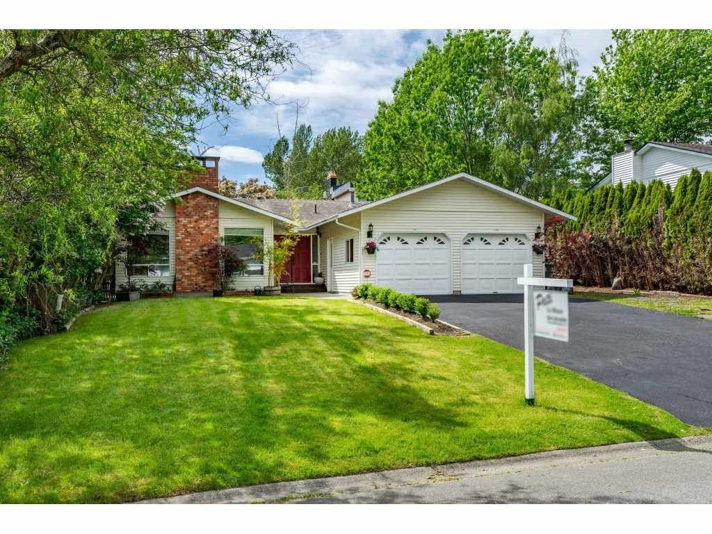 """Main Photo: 1427 160A Street in Surrey: King George Corridor House for sale in """"Ocean Village"""" (South Surrey White Rock)  : MLS®# R2453736"""