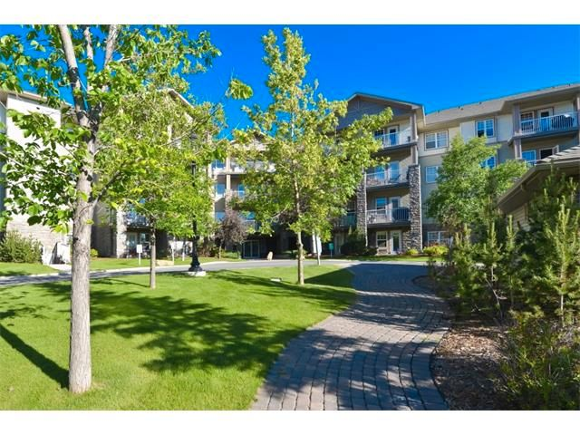 Gorgeous fully mature landscaping surrounds the 2 building complex.