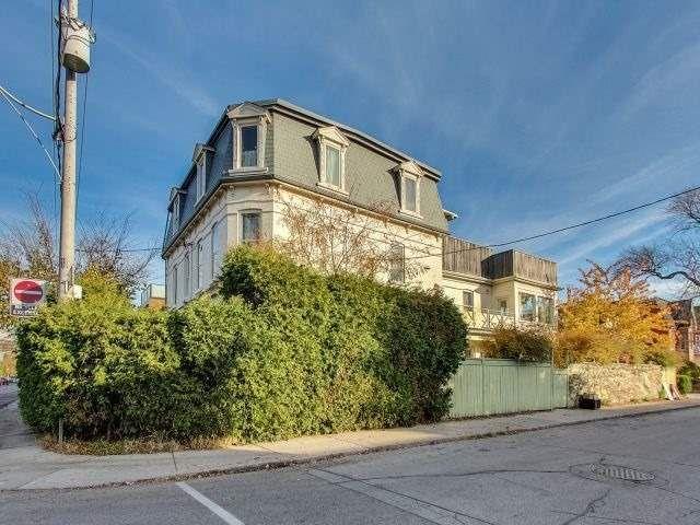 Main Photo: 197 Argyle Street in Toronto: Little Portugal House (3-Storey) for sale (Toronto C01)  : MLS®# C3660423