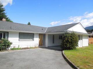 "Photo 2: 2131 PARKWAY Road in Squamish: Garibaldi Estates House for sale in ""GARIBALDI ESTATES"" : MLS®# R2217081"