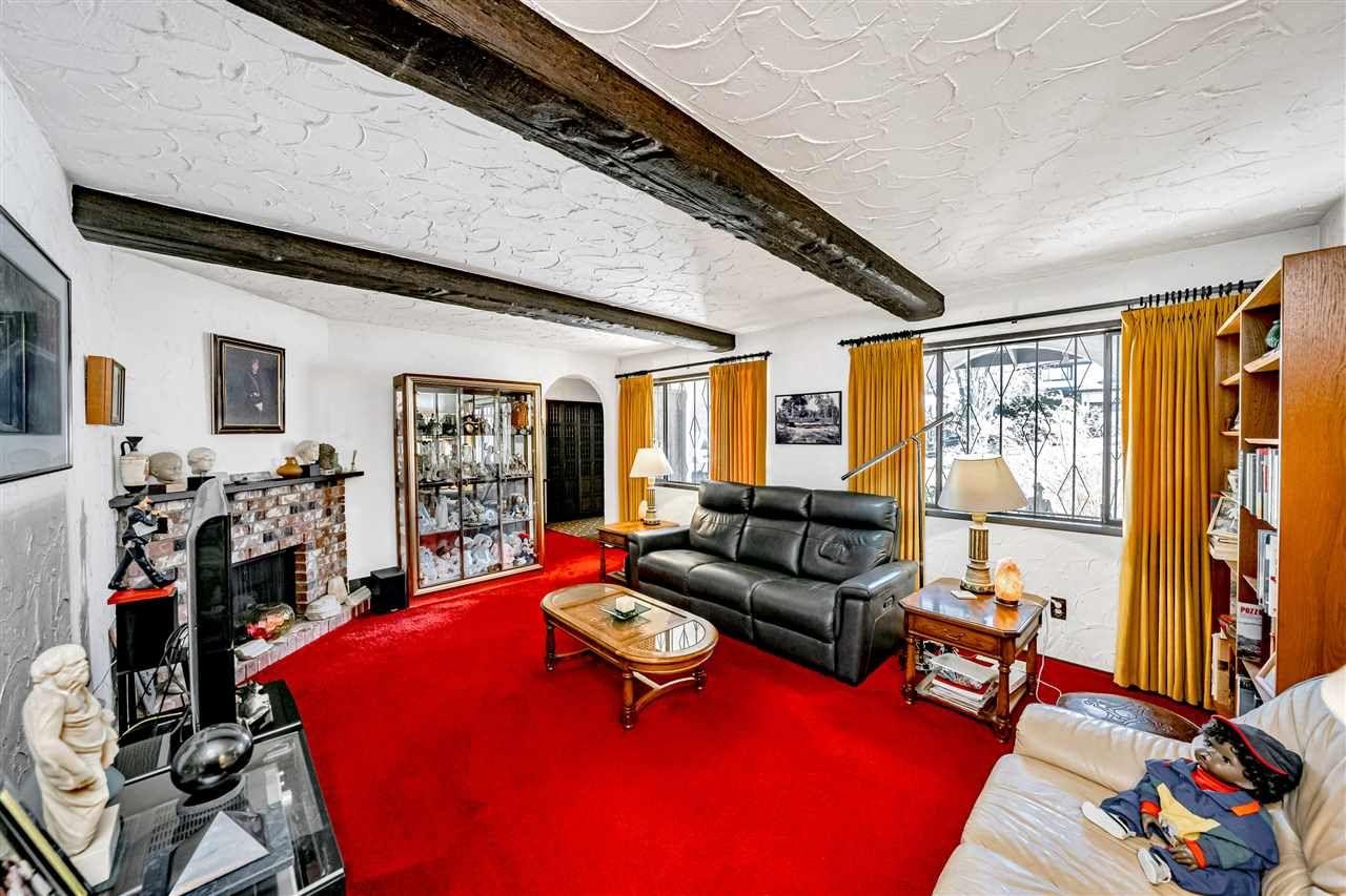Photo 9: Photos: 6131 BRANTFORD Avenue in Burnaby: Upper Deer Lake House for sale (Burnaby South)  : MLS®# R2551835