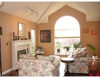 "Photo 2: 8054 153A Street in Surrey: Fleetwood Tynehead House for sale in ""FAIRWAY PARK"" : MLS®# F1002400"