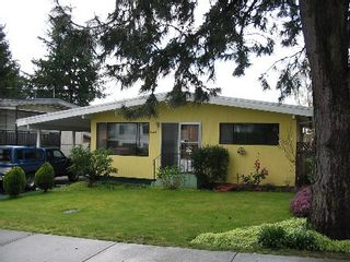 Photo 1: 15858 Russell Avenue: House for sale (White Rock)  : MLS®# F2506203