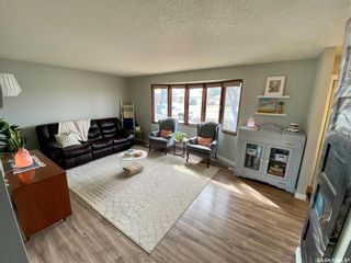 Photo 3: 235 McCarthy Boulevard North in Regina: Normanview Residential for sale : MLS®# SK865155