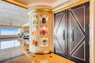 Photo 4: Condo for sale : 2 bedrooms : 939 Coast Blvd #21DE in La Jolla