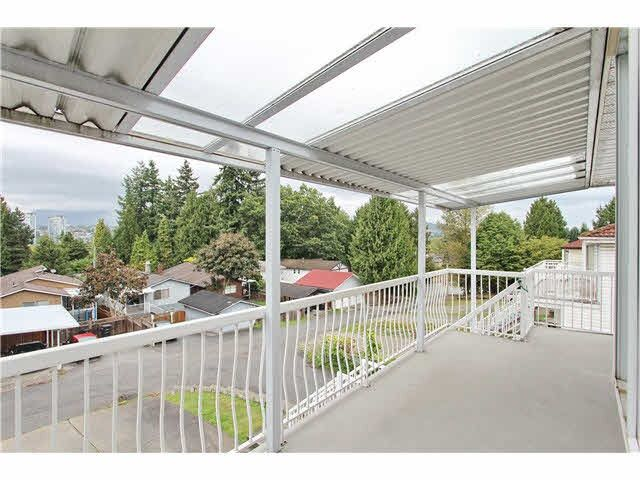 Photo 3: Photos: 5521 NORFOLK STREET in Burnaby: Central BN House for sale (Burnaby North)  : MLS®# R2037688