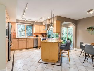 Photo 12: 2002 PUMP HILL Way SW in Calgary: Pump Hill Detached for sale : MLS®# C4204077