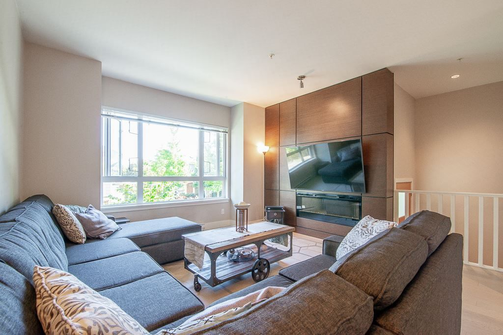 """Main Photo: 1 278 CAMATA Street in New Westminster: Queensborough Townhouse for sale in """"Canoe"""" : MLS®# R2403049"""