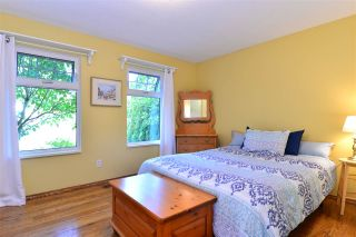 """Photo 4: 1851 129 Street in Surrey: Crescent Bch Ocean Pk. House for sale in """"Ocean Park"""" (South Surrey White Rock)  : MLS®# R2293951"""