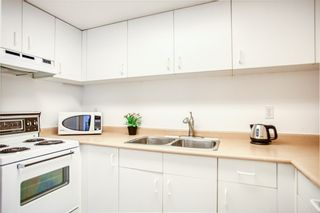 "Photo 11: 1601 789 DRAKE Street in Vancouver: Downtown VW Condo for sale in ""CENTURY TOWER"" (Vancouver West)  : MLS®# R2352458"