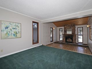 Photo 2: 4535 72 Street NW in Calgary: Bowness House for sale : MLS®# C4163326