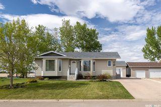Photo 1: 104 Willard Drive in Vanscoy: Residential for sale : MLS®# SK857231